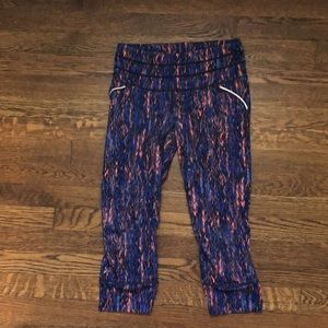 Athleta Cropped Work Out Leggings with zip pocket